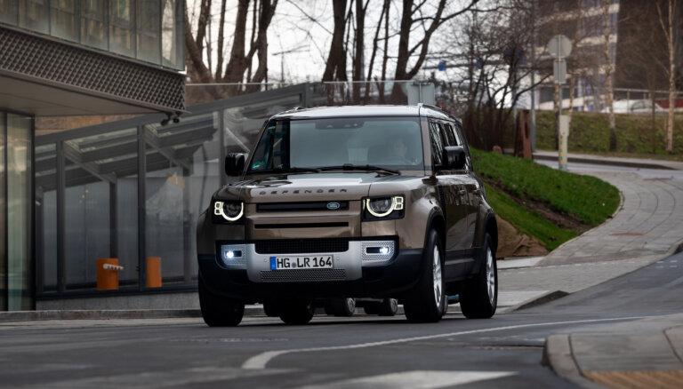 Atgriešanās, kas satricināja pasauli: jaunais 'Land Rover Defender' apvidnieks