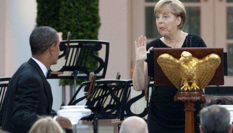 Обама заверил Меркель в отсутствии слежки за ней