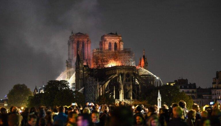 CNN: установлен очаг возгорания в Нотр-Даме