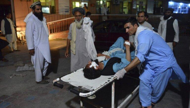 Sprādzienā Afganistānā bojāgājušo skaits pieaudzis līdz 36