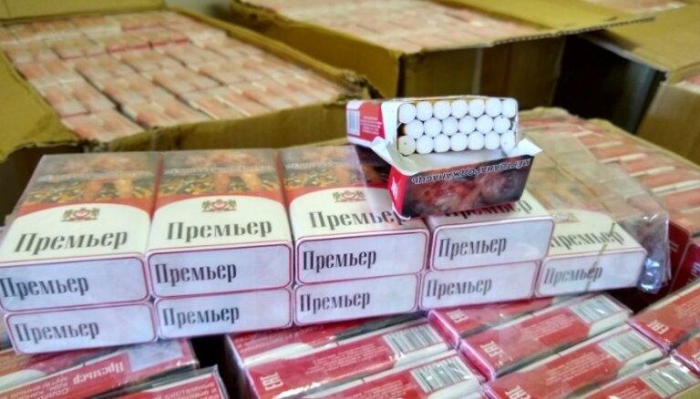 Par nelikumīgu cigarešu pārvietošanu Ludzā aiztur organizētu grupu, tostarp robežsargu