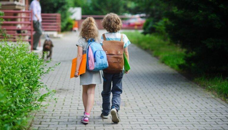 Бесплатная еда, экзамены на госязыке, учителя-свечки. Что нового в школах с этого года?