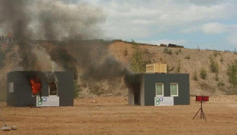 Eksperiments: kurš būvmateriāls ir ugunsizturīgāks – koks vai keramzīta bloki