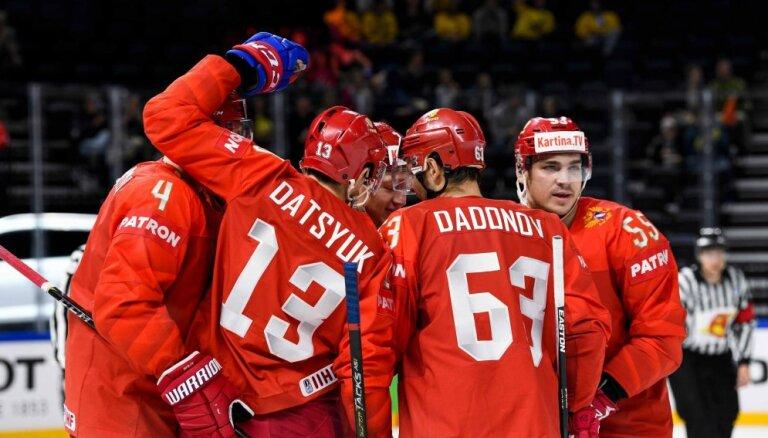 ВИДЕО: Сборная России забросила белорусам шесть шайб, а шведы французам — четыре