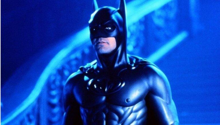 """Режиссер """"Бэтмена и Робина"""" извинился за фильм через 20 лет после премьеры"""