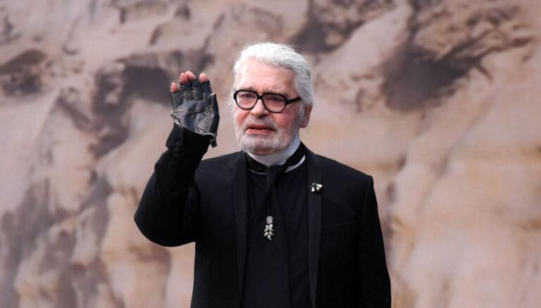 85 gadu vecumā miris modes leģenda Karls Lāgerfelds