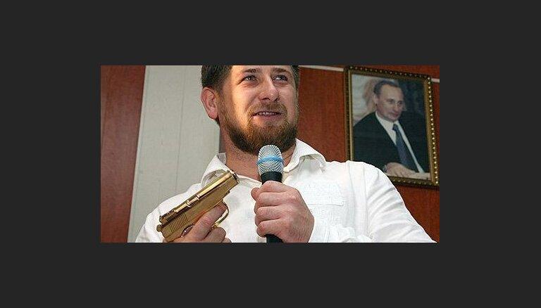 Кадыров солидарен с чувствами арабов, громящих посольства