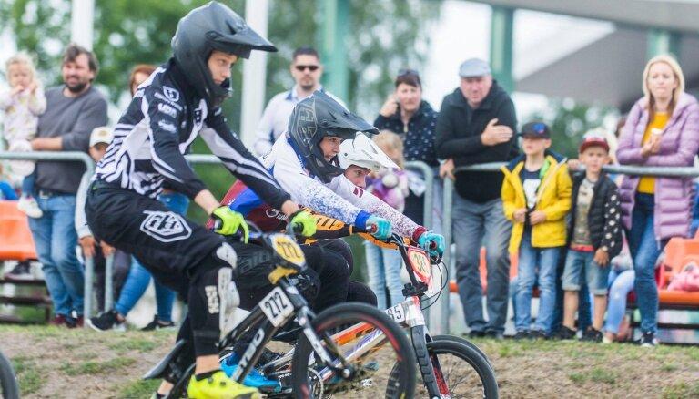 Foto: Rīdzinieki triumfē Jelgavā notiekošajā Jaunatnes olimpiādē