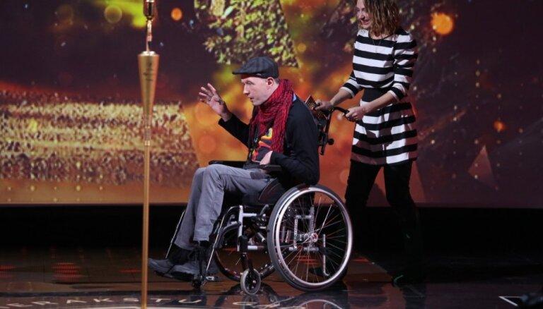Meklē cilvēku, kas varētu palīdzēt mūziķa Rolanda Ūdra rehabilitācijā