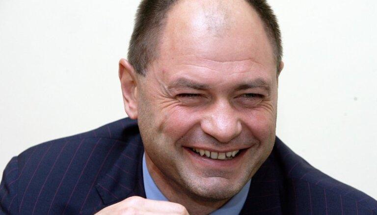 Politiķiem atšķirīgi viedokļi par Liepiņa iespītēšanos Saeimas sēdē