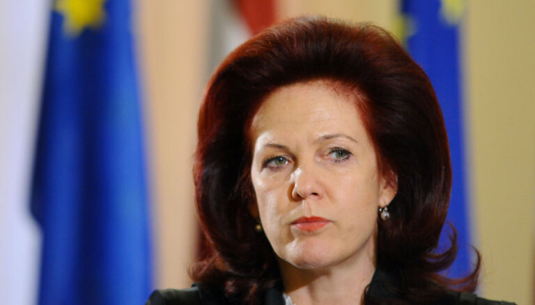 Latvijā valda politiķu diskriminācija, sūrojas Saeimas spīkere Āboltiņa