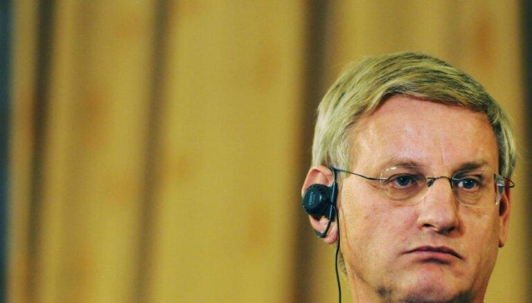 Бильдт: Швеция поможет вернуть деньги Latvijas Krājbanka