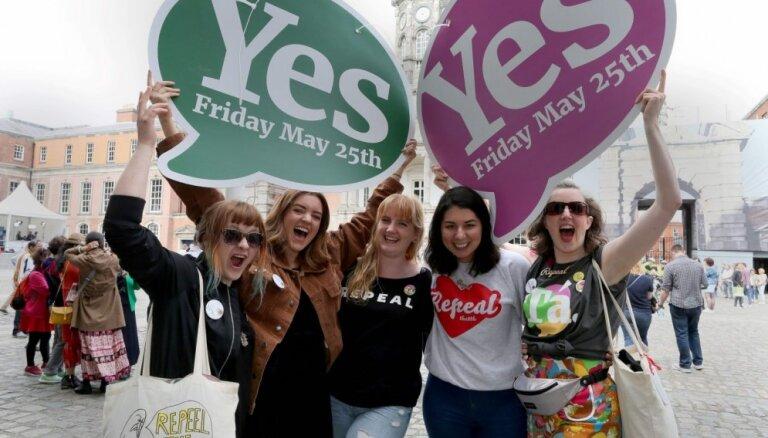"ФОТО: Ирландия сказала историческое ""Да"" легализации абортов"