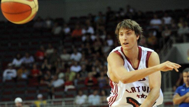 Kalve pievienojies Ungārijas basketbola klubam 'Alba Fehervar'