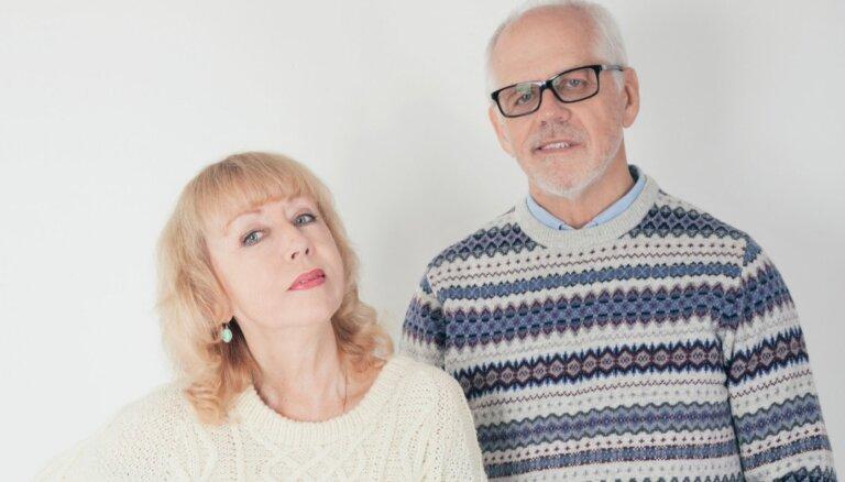 Noklausies! Ieva Akuratere un Aivars Hermanis ar kopīgu dziesmu sveic Ziemassvētkos