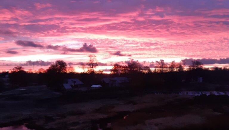 Aculiecinieka foto: Ugunīgs saullēkts pār Ventu