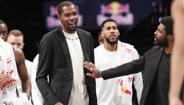 'Covid-19': Kuruca pārstāvētajā 'Nets' inficējušies četri spēlētāji, tostarp Kevins Durants