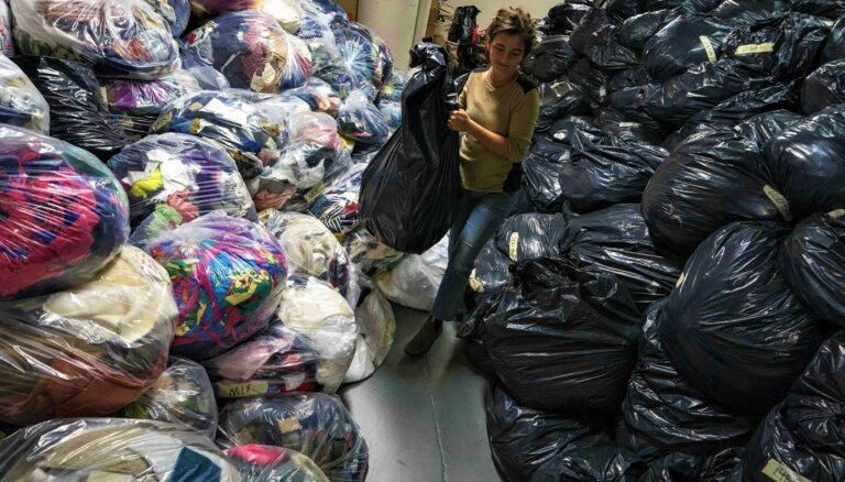 Nopirkt, pavalkāt, izmest: modes industrijas graujošā ietekme uz vidi