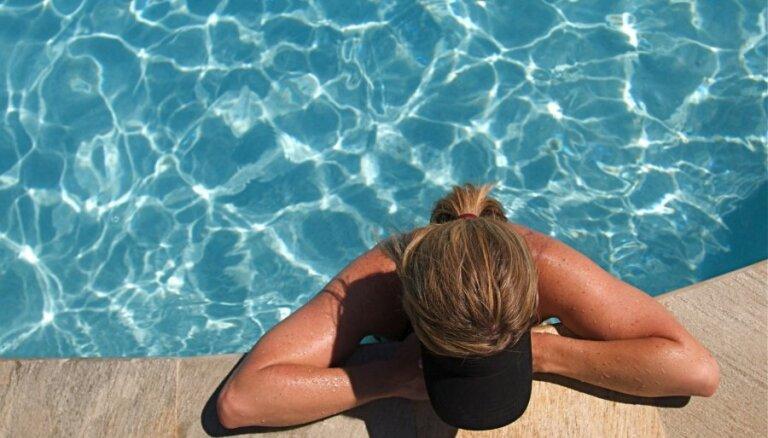 10 kaites un slimības, ko var ārstēt ar peldēšanu