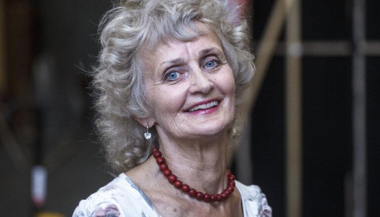 'X Faktora' skatītājus pārsteidz 69 gadus vecā Ligita