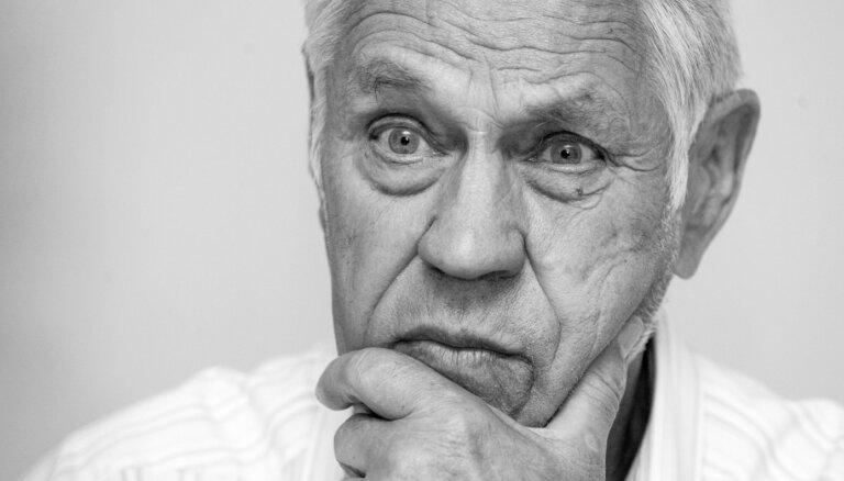 96 gadu vecumā mūžībā aizgājis politiķis Visvaldis Lācis