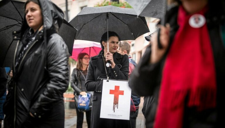 В Польше женщины протестуют против ужесточения закона об абортах