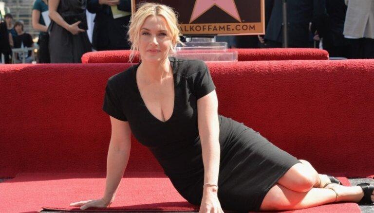 ВИДЕО: Кейт Уинслет получила именную звезду на Аллее славы Голливуда