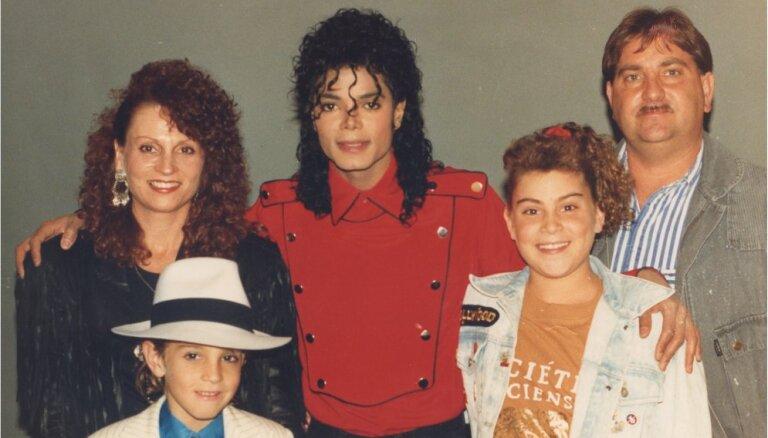 ЛТВ покажет скандальный фильм с обвинением в педофилии Майкла Джексона