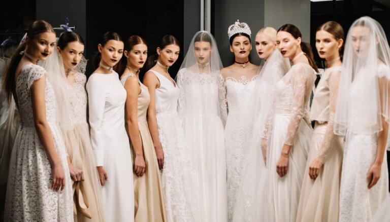 Foto: Pašmāju dizaineri priecē līgavas ar pirmo kāzu modes šovu Latvijā