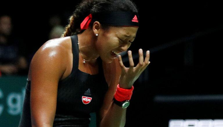 'US Open' čempione Osaka piedzīvo jau otro zaudējumu 'WTA Finals' turnīrā, Stīvensai otra uzvara