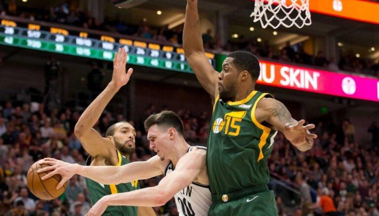 Kurucam astoņi punkti 'Nets' zaudējumā 'Jazz' komandai