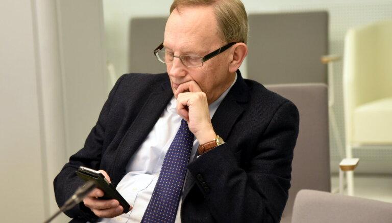 Депутат Кирштейнс регулярно распространяет фальшивые новости в социальных сетях