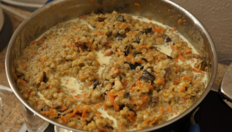 Вкусы Суйтского края: Сытное блюдо из перловки или суйтский плов
