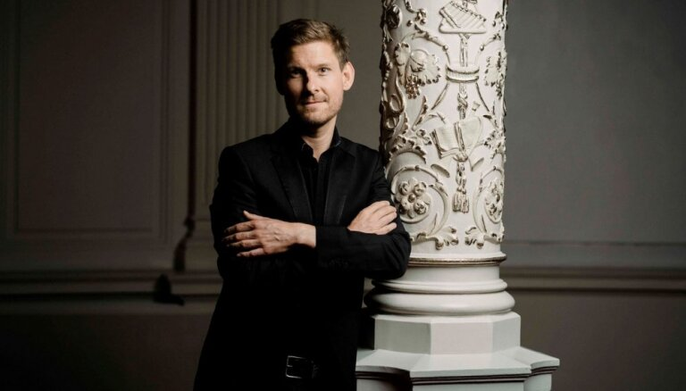 Festivālu 'Vīnes klasika' noslēgs pianists Kristians Bezeidenhauts un 'Sinfonietta Rīga'