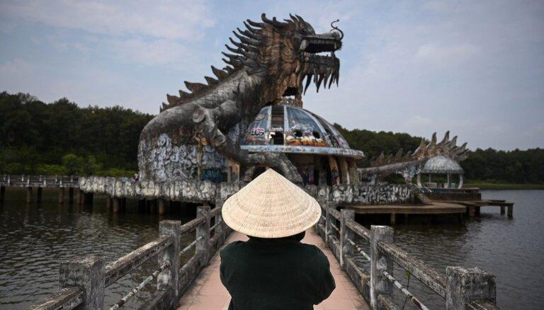 Kad daba gūst virsroku: spocīgas ainas no pamesta akvaparka Vjetnamā