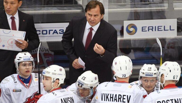 Novokuzņeckas 'Metallurg' spraigā mačā zaudē 'Avangard' un nenobīda Rīgas 'Dinamo' uz pēdējo vietu KHL