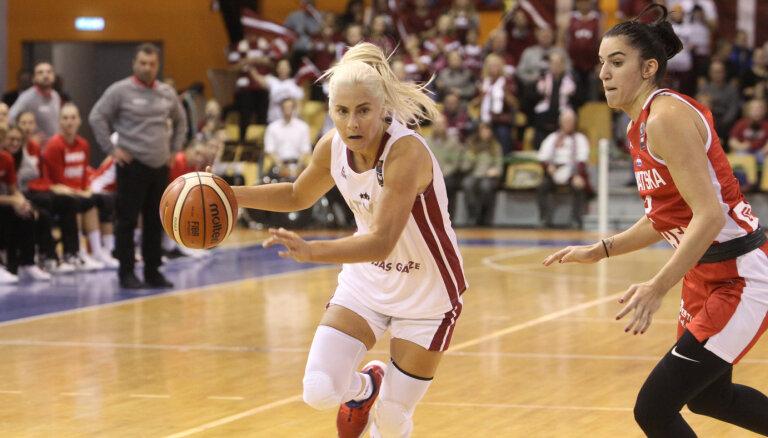 Latvijas basketbolistes Eiropas čempionāta kvalifikācijas mačā grauj Ziemeļmaķedoniju
