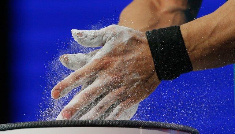 Starptautiskā federācija piespriež pagaidu diskvalifikāciju Plēsnieka konkurentam no Krievijas