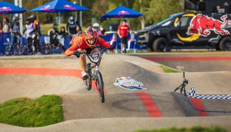 Vekša izcīna sesto, bet Pētersone 11. vietu pasaules čempionātā BMX