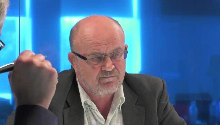 Ādamsons: valodas referendums bija kļūda