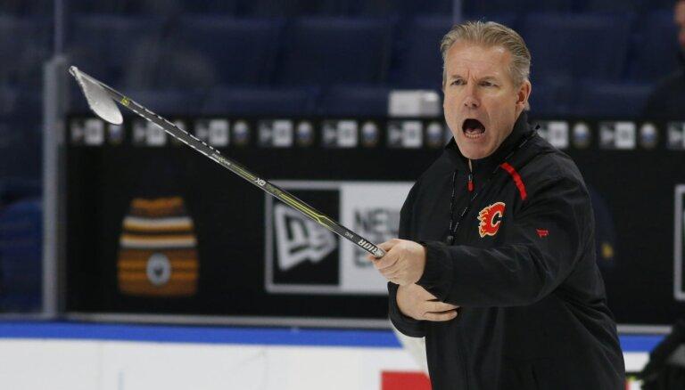 KHL klubu 'Avtomobiļist' vadīs no NHL ar skandālu padzītais Pīterss