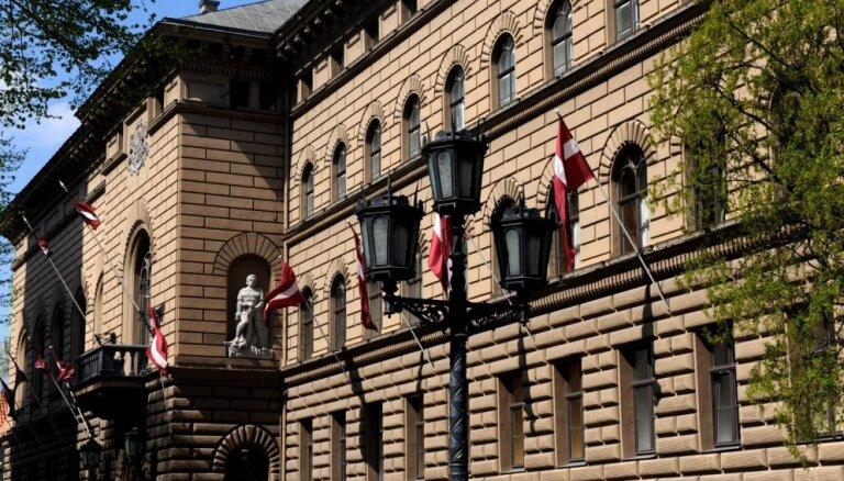 ZZS un NA deputāti 'norauj' Saeimas komisijas sēdi; pozīcija bēgļu uzņemšanai netiek apstiprināta