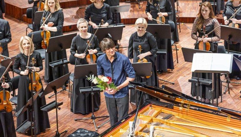 Foto: No Alsungas līdz Ņujorkai – Liepājas Simfoniskā orķestra sezonas noslēguma koncerts