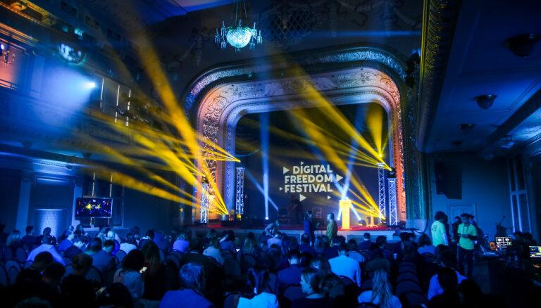 Atskats uz pikantāko pērnā gada 'Digital Freedom Festival' diskusiju 'Seksa nākotne'