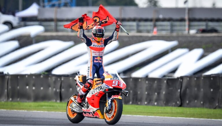 Markess četrus posmos pirms sezonas beigām nodrošina sesto 'MotoGP' čempiontitulu