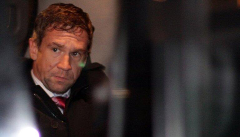 Скрывающийся бизнесмен Антонов признан виновным в многомиллионных убытках Latvijas Krājbanka