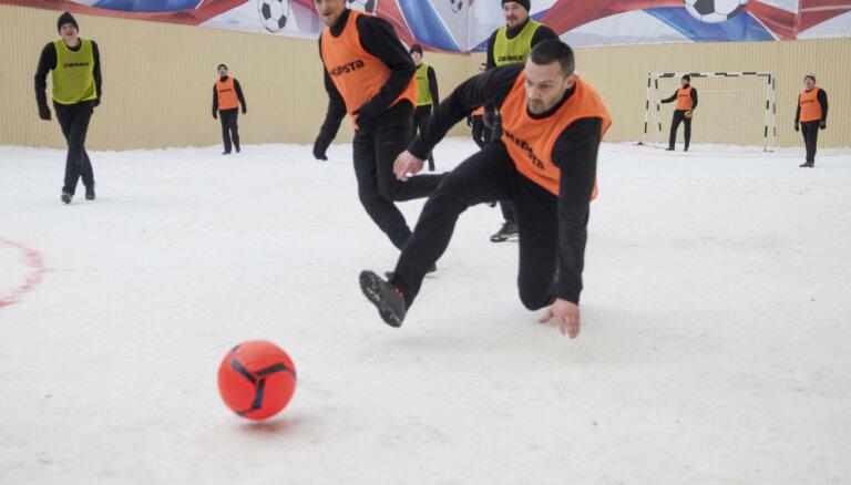 """ФОТО, ВИДЕО: Мамаев забил семь мячей в матче c заключенными в """"Бутырке"""""""