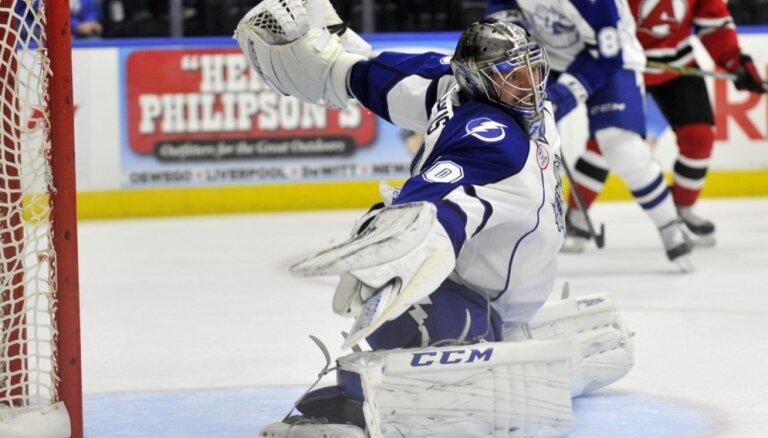 Gudļevskis ielaiž sešus vārtus AHL spēlē
