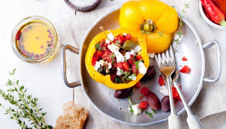 Vakariņas ar pārsteigumu – pildīti dārzeņi, pankūkas, gaļa un pat sacepumi