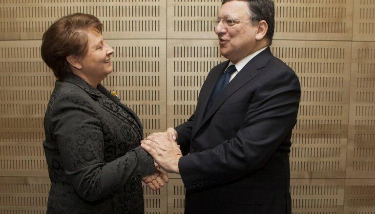 Straujuma Barrozu norādījusi par Latvijas plāniem pretendēt uz finanšu un ekonomikas komisāra amatu